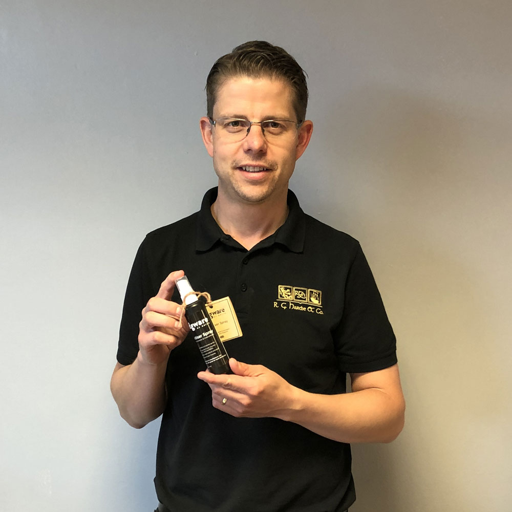 Alastair Dunn from RG Hardie with the Edgware BY BBICO Sanitiser Spray