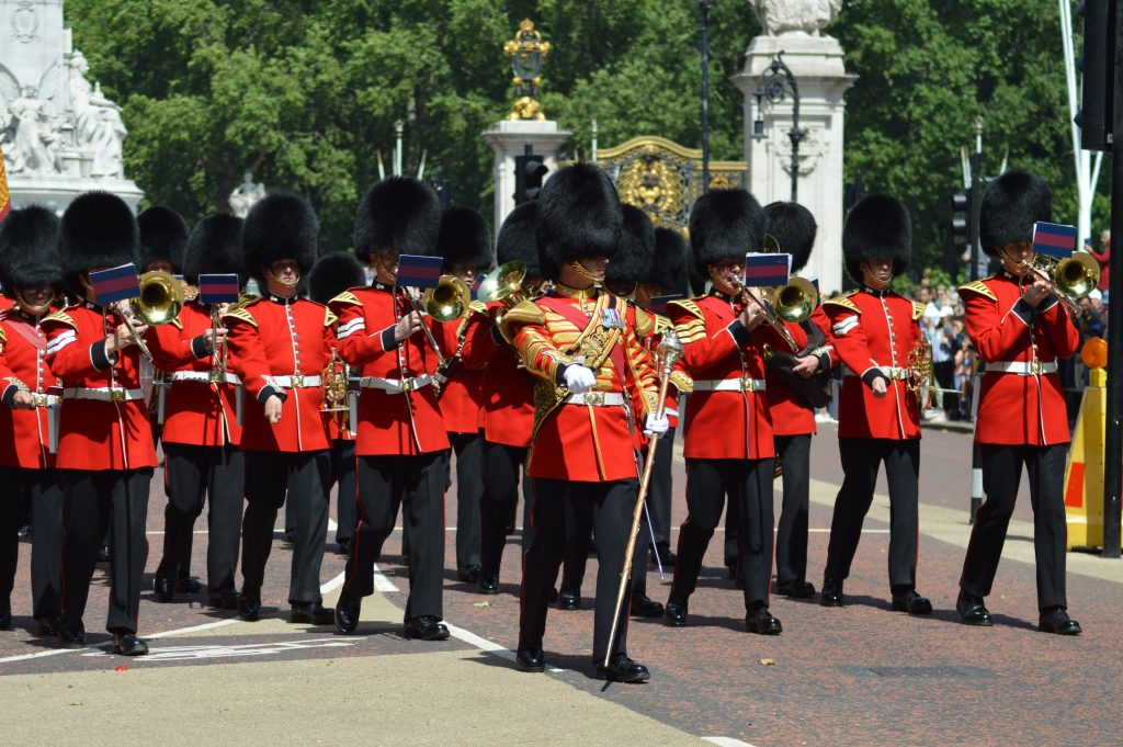 Military musicians using lyres in London [Photo by Mark Leishman on Unsplash]